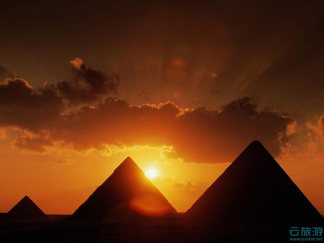 金字塔是古埃及文明的代表作,是埃及国家的象征.王林波圆明园的毁灭教学设计图片