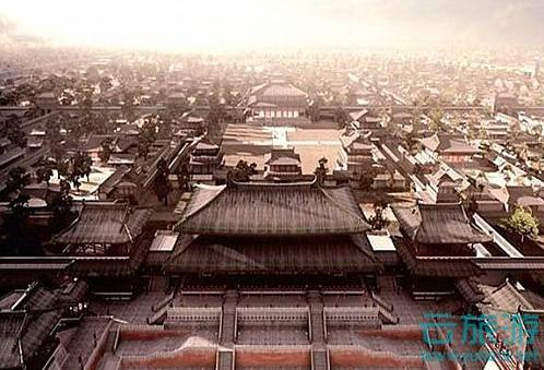 大明宫周长7.6多公里;面积约3.2平方公里,为北京紫禁城的四倍,相当于三个凡尔赛宫,十二个克里姆林宫,十三个卢浮宫,十五个白金汉宫,五百个足球场。