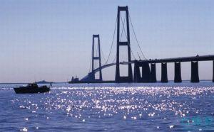 大贝尔特海峡大桥