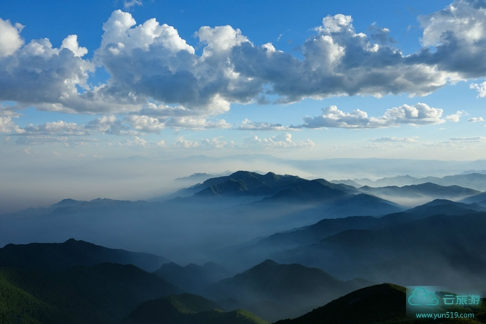 青云山风景名胜区位于福建省永泰县岭路乡与莆田市涵江区交界处,是